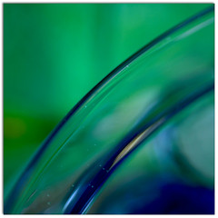 (..felicitas..) Tags: blue abstract macro verde green glass azul canon mr vivid abstracto vidrio 1110 felumolina felicitasmolina