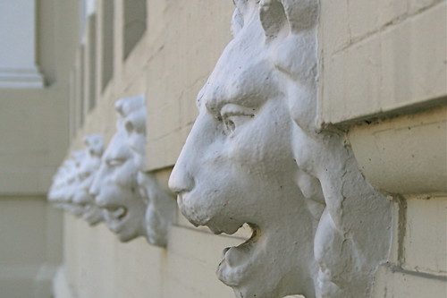 Lions, Court House, Riverside County, CA