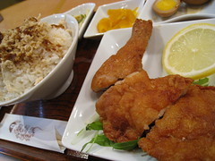 deep-fried chicken (HAMACHI!) Tags: food chicken japan canon lunch tokyo rice 2008 deepfried cameratest loadtest 910is higecho    ixydigital910is jirofan