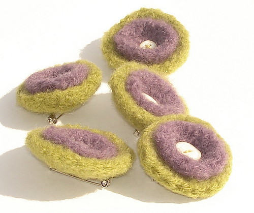 Wool Brooch Item # 645