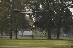 State Visit at the University of Twente (Stefan Schlautmann) Tags: netherlands 350d ut europe helicopter enschede overijssel universiteittwente utwente universityoftwente