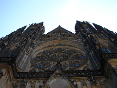St Vitus Cathedral, Prague (Tjflex2) Tags: trip travel vacation holiday big ancient prague great gothic royal churches praha palace praskhrad czechrepublic government romanesque bohemian czechoslovakia rulers medeival praguecastle slovak stvitus guinnessbookofrecords addministraion hradany