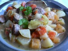Bratwurst-Stew mit Wintergemüse