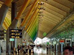 P6050021 (Jungle Jim!) Tags: madrid españa architecture modern airplane airport spain spectrum structure modernarchitecture barajas richardrogers madridbarajasinternationalairport