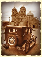 CUSCO, de regreso al futuro (CUSQUENIAN) Tags: auto plaza old peru church car sepia de design san mayor cusco centre centro center per antigua universidad andes carro historical 50s oldcar antonio plazamayor viejo ramiro diseo sagrada nacional 2009 antiguo andino andinos 1949 topic jess futuro andean peruvian plazadearmas peruano abad ande peruana asociacin mainsquare pasado histrico andina compaa artesanos paraninfo portilla blueribbonwinner benemerita qosqo moreyra andinas avision carcocha platinumphoto blueribbonphotography diamondclassphotographer flickrdiamond excellentphotographe