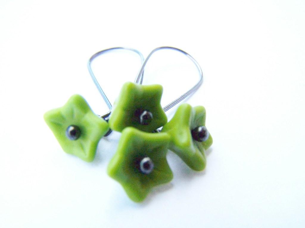 Wasabi Green Flower Earrings