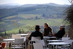 Camorra Toscana (Santi Roig Dinars) Tags: italia paisaje vistas toscana mafia vino terrazza camorra conspirando