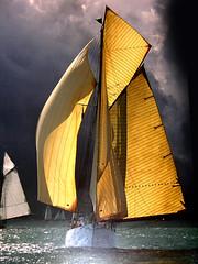 Regata (itala2007) Tags: ocean nature boats barcos natureza contest paintings bestofflickr 1000views golddragon anawesomeshot impressedbeauty fiveflickrfavs itala2007 littlestoriespicswithsoul theexhibitupstairs obq poseidonsdance thedantecircle