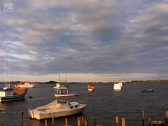 Cu sobre ns (Z Maciel) Tags: ocean sea boats boat mar fishing barcos cu fujifilm santacatarina pesca itaja pesqueiro entardecer nvens zemaciel
