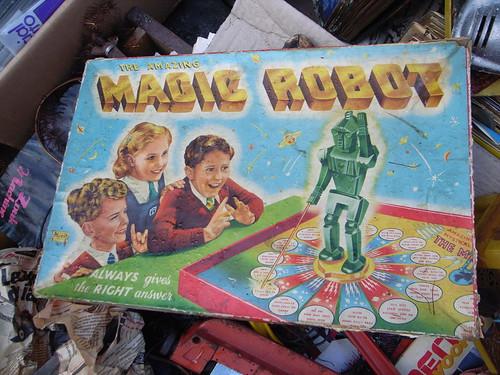 The Amazing magic Robot