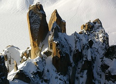 Cristalls gegants / Giant crystal (SBA73) Tags: schnee snow france mountains alps alpes rocks crystal nieve frana francia montblanc rocas neu montaas roques aiguilledumidi muntanyes cristall diamondclassphotographer colourartaward aguilledumid