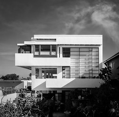 Lovell Beach House (Chimay Bleue) Tags: rudolph schindler rm lovell beach health house home concrete white midcentury modernism modernist design architecture newport balboa peninsula