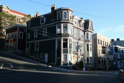 An unconventional Queen Anne-style building on Gower Street