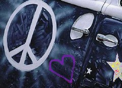 Anglų lietuvių žodynas. Žodis at peace reiškia taikos lietuviškai.