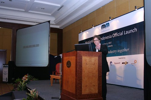 Christopher Billich when presenting at MobileMonday Indonesia launch, Dec 2007