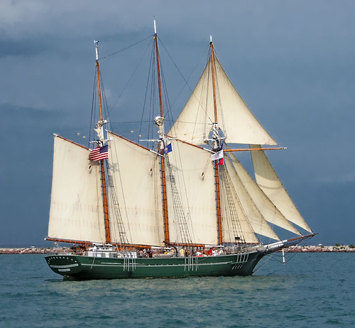 Sailing ship, in Chicago, Illinois, USA.jpg