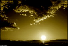 Dovesse anche fare un male da morire è vivere che voglio (CarloAlessioCozzolino) Tags: sardegna sunset sky sun clouds tramonto nuvole sardinia dream cielo sole cagliari sogno naturalmente alessandrobaricco oceanomare the4elements abigfave diamondclassphotographer flickrdiamond psicoflickr manonhocercatodifermarminédifermarti eunostranodoloremoriredinostalgiaperqualcosachenonvivraimai dovesseanchefareunmaledamorireèviverechevoglio