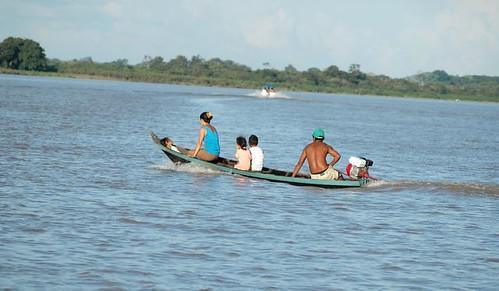 Rio acima com a família (Santarém - PA)