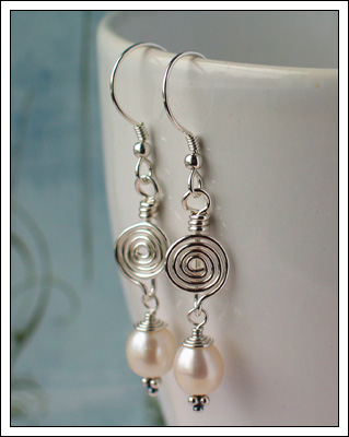 Avalanche (white pearl)