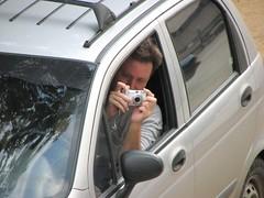 Adivinen el personaje (jmven) Tags: de george venezuela margarita paparazzi isla fotografo detective fotografiado