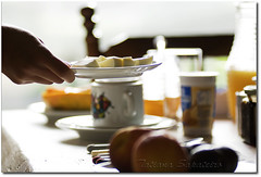 Bom dia... (.Tatiana.) Tags: friends breakfast paranapiacaba parabéns cafédamanhã johanes fotoclube 10faves duetos johanesduarte pousadadoartista nãogostodocafédaquikkkkkkkkkkkk siteparavendadefotos httpwwwplanobfotodesigncom fototatianasapateiro