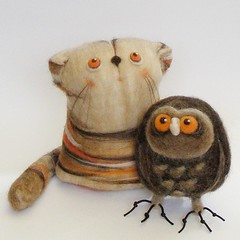 Archie & Jose (fingtoys) Tags: wool toy felt needlefelting arttoy fing designertoy fingtoys desktoppet