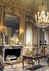 From Hotel de Varengeville   IMG0025 (Lanterna) Tags: paris french carpet mirror office furniture antique historic chandelier miroir lanterna meubles metmuseum 18thc periodroom louisxv boiserie
