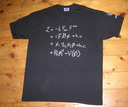 Camiseta del modelo estándar de física de partículas