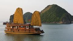 Junk on Ha Long Bay