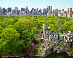 Belvedere Castle & Central Park North Skyline (scottdunn) Tags: kite photography centralpark aerial kap aerialphotography kiteaerialphotography belvederecastle urbanskyline scottdunn fotografiaaéreacompipa photoparcerfvolant fesseldrachenluftbildfotografie crw4197editjpg