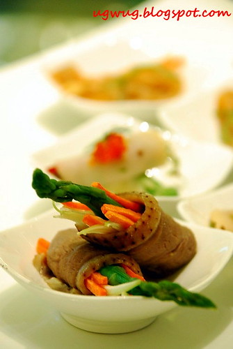 Sliced duck roll with asparagus, carrot & chinese parsley - Pak Loh Chiu Chow