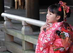 Thoughtful (photojennic) Tags: beautiful festival japan wonderful tokyo shrine asia child  nippon  kimono shichigosan shinto nihon meijijingu 753 photojennic