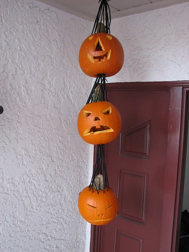 jack o lanterns, in the daytime
