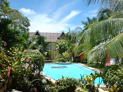 Little, but beautiful Panglao Island (Willem van Velzen) Tags: blue vacation house holiday green colors pool beautiful swimming swim relax island google amazing interesting colorful sony awesome philippines great free resort explore delicious swimmingpool babes bohol panglao k800i relaxe naturesfinest flickrdatabase sonyk800i vakantieleven2007 willemvanvelzen viewmyphoto avision digitalphotoexposition