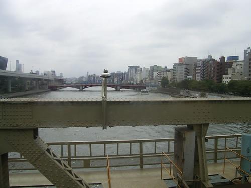 16川を渡って_00