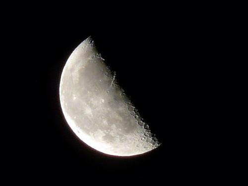 Waning Half Moon - Luna Cuarto Menguante - a photo on Flickriver