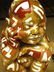 ROMA, 2005 (Bocngel (Jorge Navarro)) Tags: boy italy sculpture rome roma italia puzzle escultura beb nio letras letra conocimiento knowlwdge