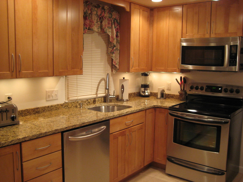 anyone with a 2 inch backsplash or no backsplash - No Backsplash In Kitchen