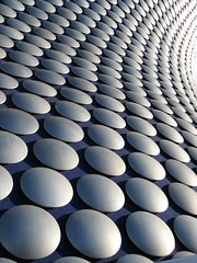 Selfridge Building - Birmingham (Katie-Rose) Tags: city blue building architecture modern silver birmingham circles patterns selfridges rows bullring chainmail curvaceous futuresystems pacorabanne katierose repeats canonpowershota700 selfridgebuilding openedseptember4th2003 15000spunaluminiumdiscs spunaluminium aluminiumdiscs