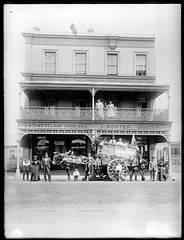 J Blewett and Sons Saddlery and J Porter Grocers, 301-303 Hunter Street Newcastle West [n.d.] (Cultural Collections, University of Newcastle) Tags: shop newcastle store australia nsw porter grocers hunterstreet saddlery hunterst ralphsnowball snowballcollection ralphsnowballcollection asgn0667b28 jblewettsons jblewett jporter newcastleregionnswhistorypictorialworks photographynewsouthwalesnewcastle