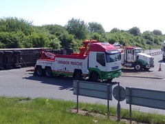 Dragon Rescue Trakker & Kenworth (JAMES2039) Tags: rescue truck dragon crash accident roundabout cardiff heavy artic tow towtruck recovery iveco kenworth wrecker 6wheeler t800 trakker 8wheeler underlift dr06gon cn56bvj