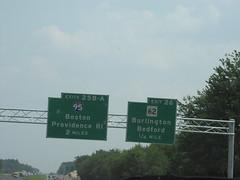 US-3 South Exits 25AB (I-95) and 26 (sagebrushgis) Tags: sign lexington massachusetts overhead i95 us3 interstatehighway biggreensign ushighway ma62 massachusettsstatehighway