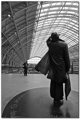 Sir John Betjeman looking at St Pancras International railway station. (Patrick Mayon) Tags: england bw london canon 350d blackwhite gare noiretblanc nb railwaystation londres angleterre stpancras efs1022mm saintpancras spselection stpancrasinternational sirjohnbetjeman