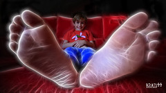 Radioactive Kid ( Pere Soler) Tags: light red classic feet photoshop canon kid child sigma radioactive 1020mm bigfoot soe cs3 allrightsreserved 40d platinumphoto superbmasterpiece braid44 fractalius peresoler