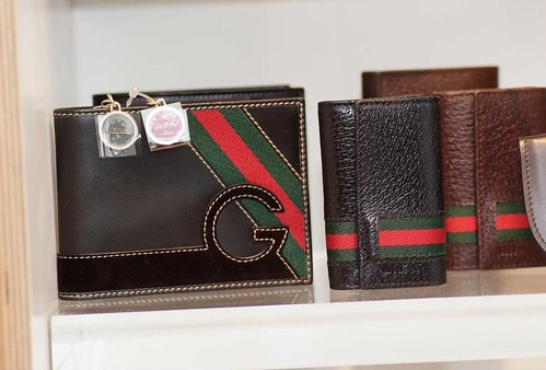 cartera gucci post acces