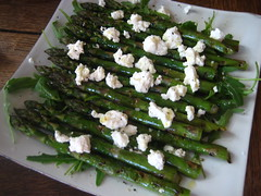 Asparagus and goat's cheese