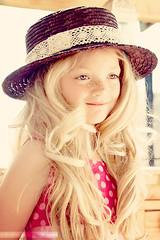 DSC_5448 ( Nina Larsen - ninazdesign) Tags: portrait beauty pose child blueeyes special wigs freckles zdesign ninalarsen