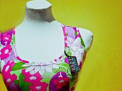 FLORES...!! (josefina) Tags: trabajo arte amor feria colores catalogo collares accesorios prendedores indumentaria remeras diseo