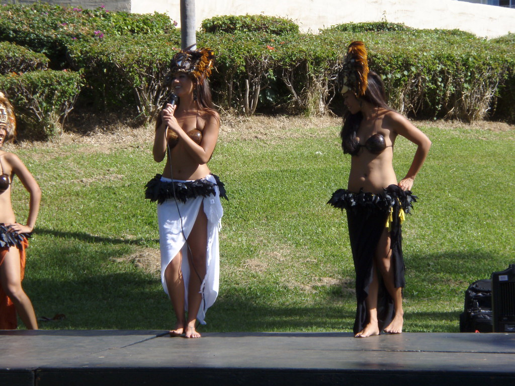 no-panty-hula-dancers