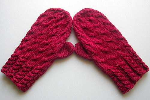 Very cabley mittens!